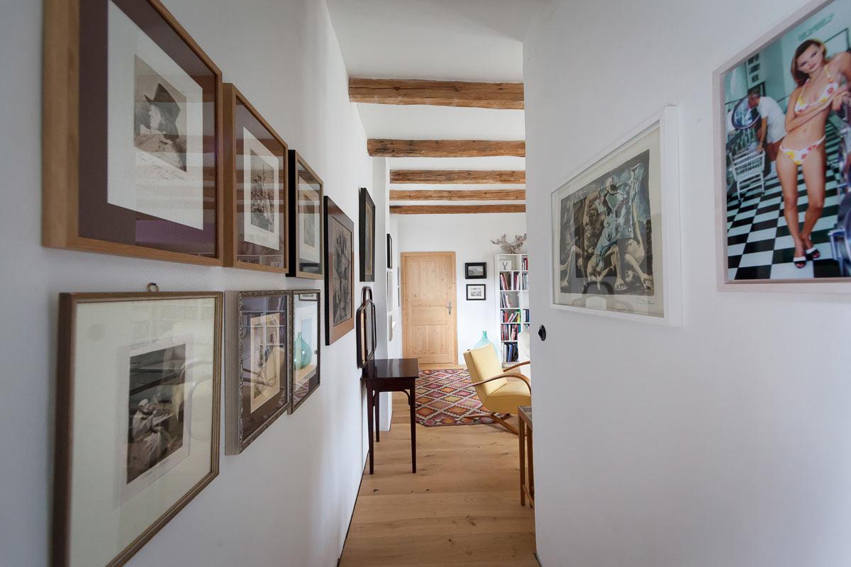 Haus und Portraits von Peter Baldinger