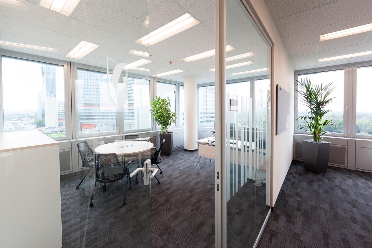 Architekturfotos von Büros, Kantine,  Gilead in Wien